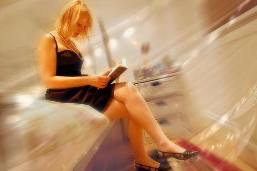 【アプリ】SONY Reader来た〜:一瞬怒りかかったけど、ちゃんとiPhoneに来ました!