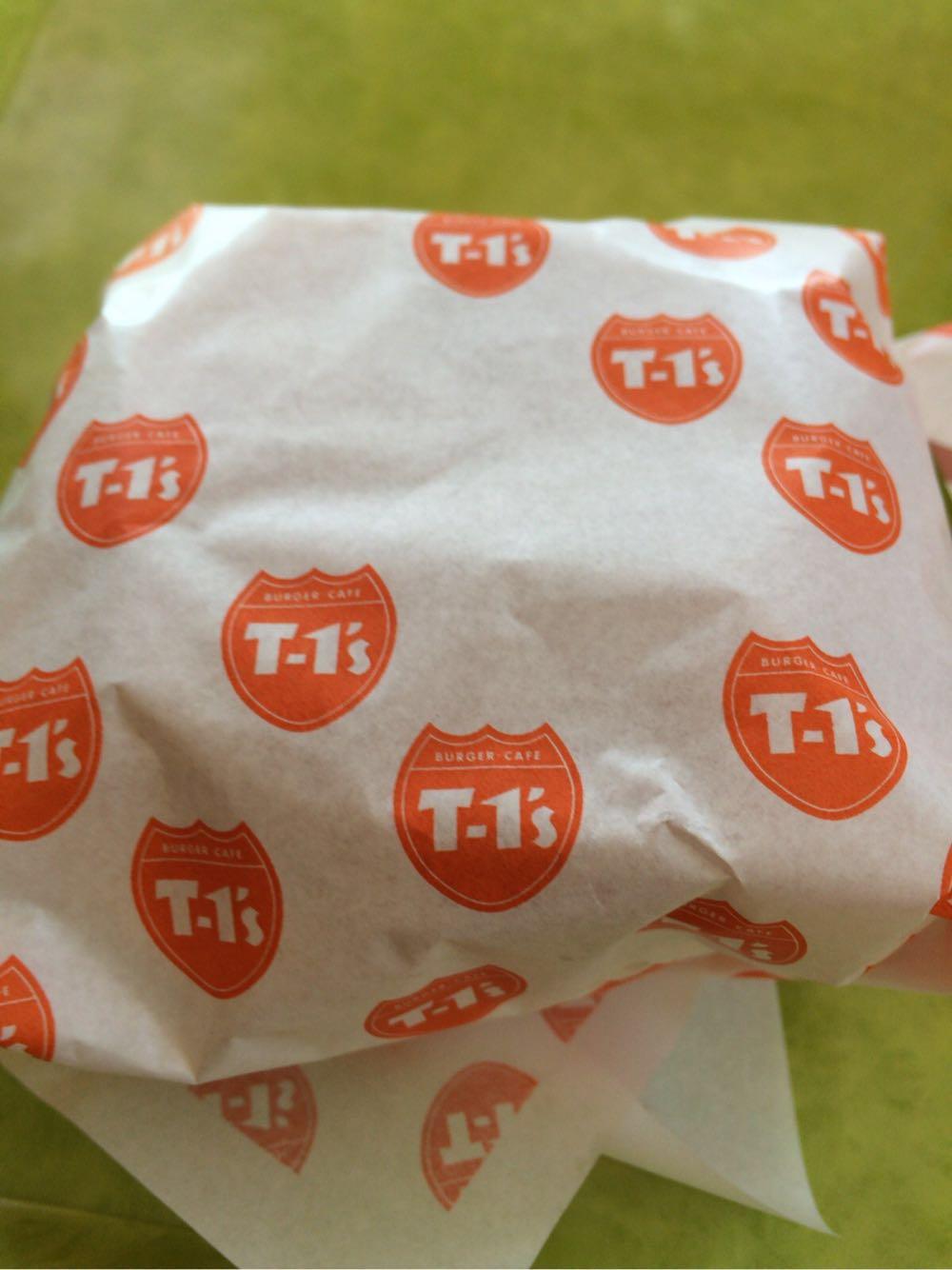 【食べ物・お店】T-1's バーガーカフェ:ボサノバの流れるハンバーガー屋さん