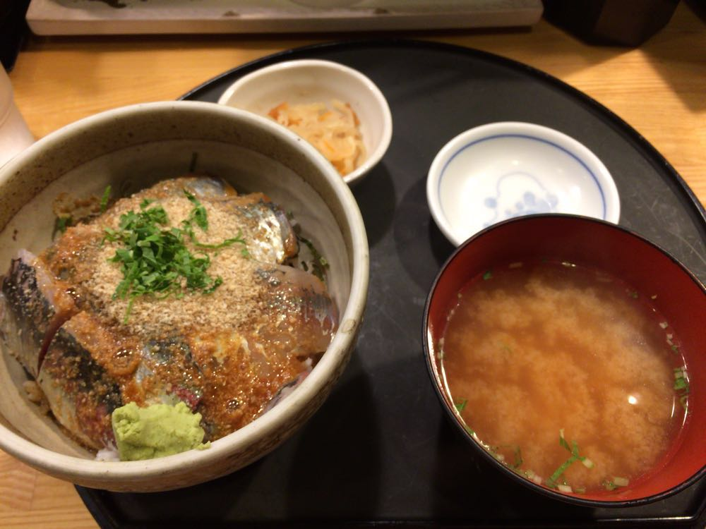 【食べ物・お店】博多の朝ご飯はここ!:市場会館の博多魚がし