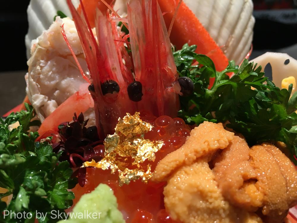 【食べ物・お店】近江市場の山さん 盛りがすごい:これぞ金沢の海鮮丼!