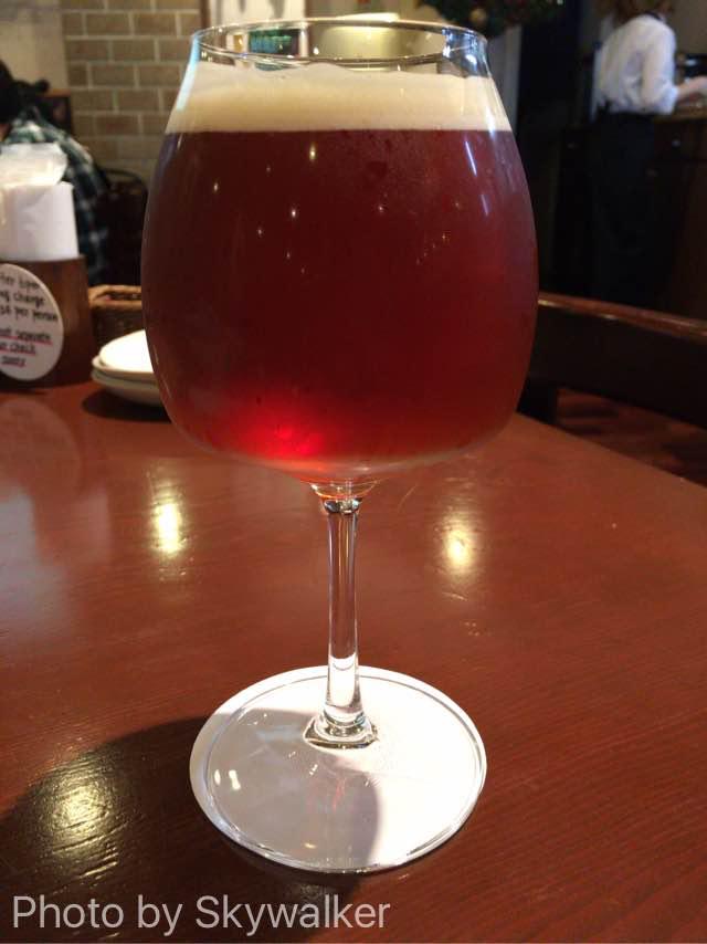 【食べ物・お店】ヘリオスパブでサンタビール:沖縄のクラフトビールがうまい