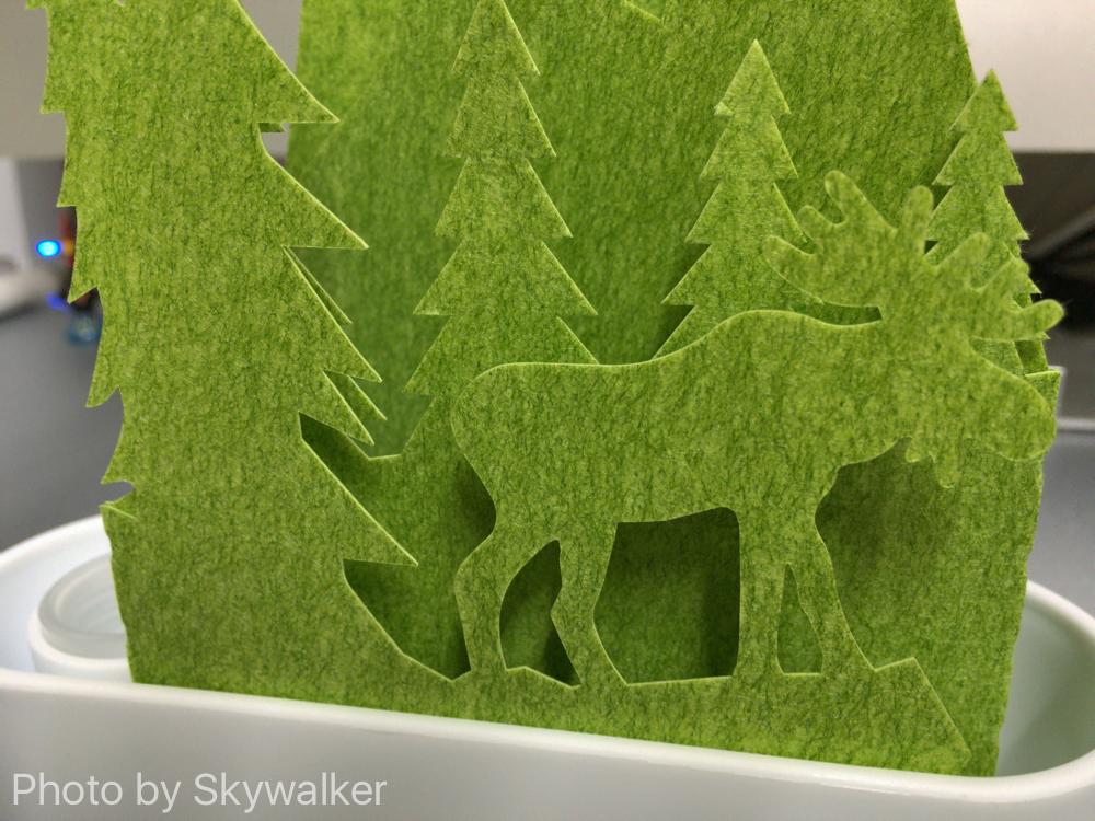 【お気に入り】自然気化の加湿器が優しい:グリーンの森がいい感じです