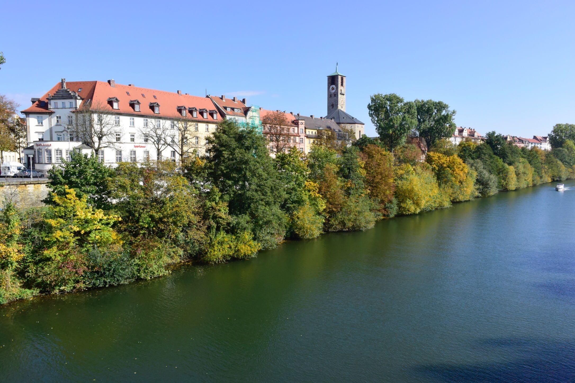 【海外】バンベルクでまたもやゲルマン胃袋に出会う:このシュニッツェルは座布団か?