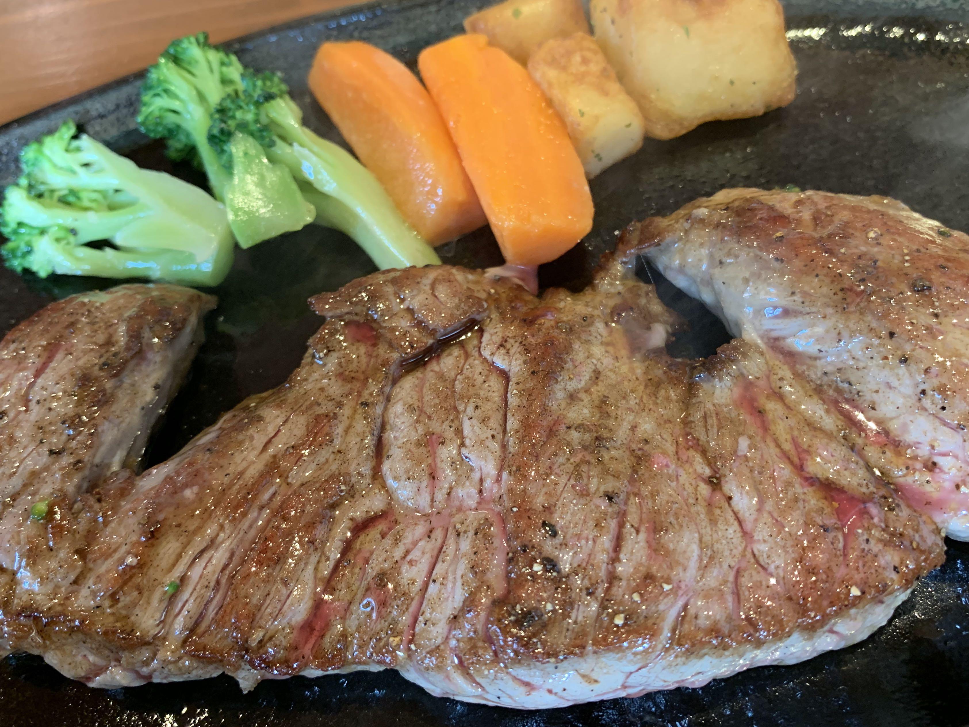 【食べ物・お店】沖縄とくればステーキ:2日で2枚、一枚目は定番のあのお店