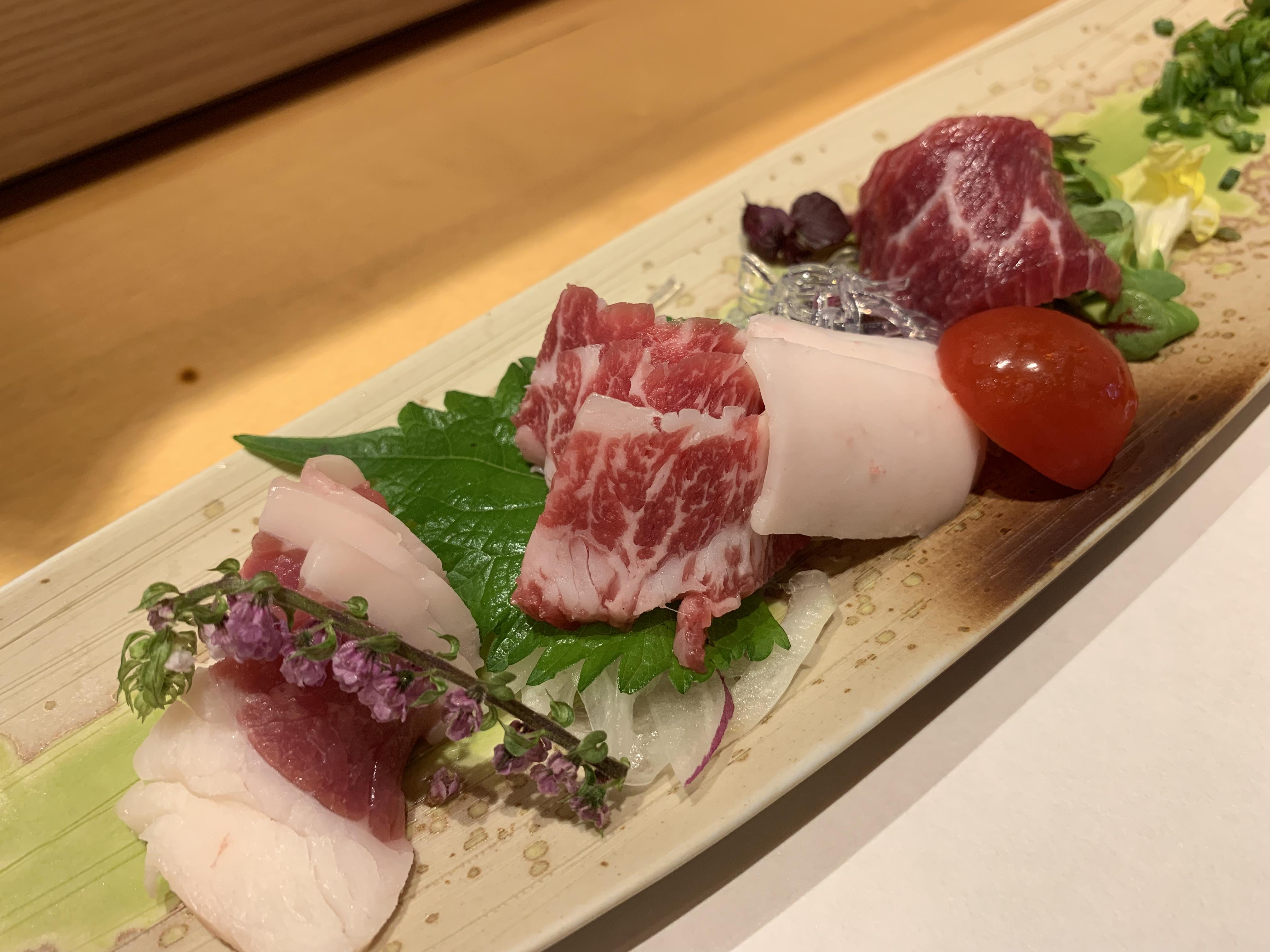 【食べ物・お店】熊本の馬刺し、菅乃屋:新鮮な馬刺しがうまい、馬い